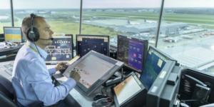 Hava Trafik Kontrolörü Ne İşi Yapar?